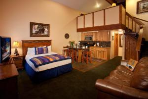 Alpine Village Suites - Cottam's Lodge