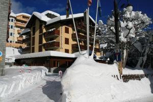 (Hotel Alpina)