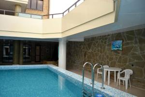 Swimming pool Guest House Demetra