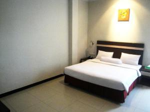 Agung Hotel, Hotel  Kendari - big - 7