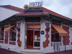 橙色海军酒店 (Orange Marine)