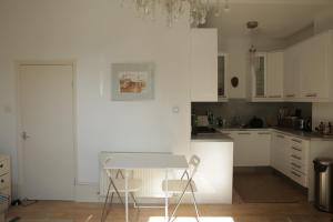 Lovely 1-bed Notting Hill Home