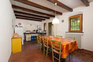 Agriturismo Solimago, Фермерские дома  Сольферино - big - 14