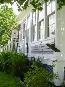The Colonel's In Bed and Breakfast