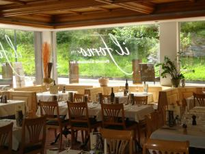 Hotel des Alpes, Szállodák  Flims - big - 108