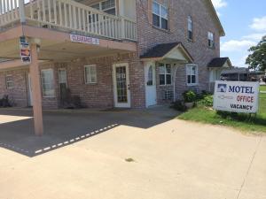 Lake Shore Motel