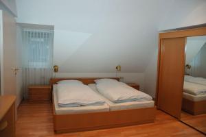 Ferienwohnungen in der Villa Carola, Апартаменты  Баден-Баден - big - 9