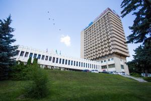 因圖日斯特酒店 (Inturist Hotel)