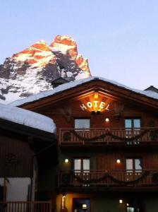 Hotel meubl gorret breuil cervinia italy j2ski for Hotel meuble furggen cervinia
