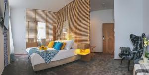 Bed & Atmosphere Rooms