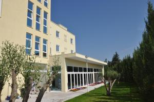 Grand White City Hotel, Hotels  Berat - big - 44