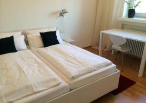 Ferienwohnungen in der Villa Carola, Апартаменты  Баден-Баден - big - 3