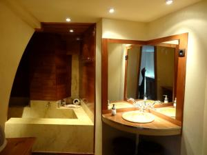 ostellerie del capel roge, Apartments  Montpellier - big - 6