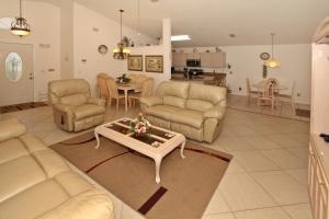 Flexible Pay Vacation Homes, Holiday homes  Kissimmee - big - 137