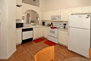 Flexible Pay Vacation Homes, Holiday homes  Kissimmee - big - 127