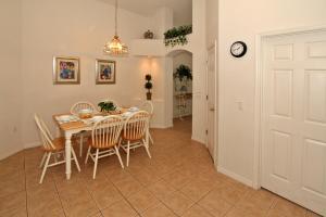 Flexible Pay Vacation Homes, Holiday homes  Kissimmee - big - 17