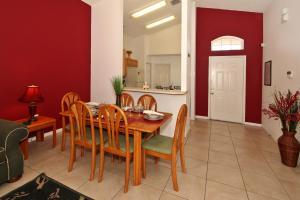 Flexible Pay Vacation Homes, Dovolenkové domy  Kissimmee - big - 13
