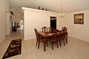 Flexible Pay Vacation Homes, Holiday homes  Kissimmee - big - 34