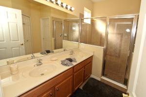 Flexible Pay Vacation Homes, Holiday homes  Kissimmee - big - 23