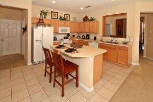 Flexible Pay Vacation Homes, Holiday homes  Kissimmee - big - 85