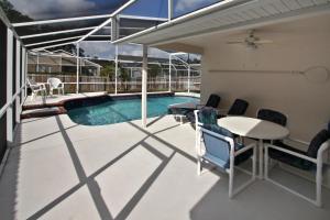 Flexible Pay Vacation Homes, Holiday homes  Kissimmee - big - 173