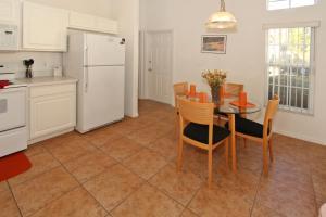 Flexible Pay Vacation Homes, Dovolenkové domy  Kissimmee - big - 74