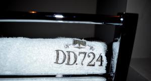 Charming House DD724