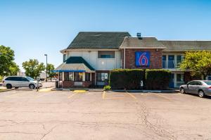 Motel 6 Chicago - Elk Grove