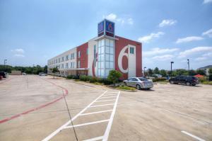 Motel 6 Fort Worth Northlake Speedway, Szállodák  Roanoke - big - 31