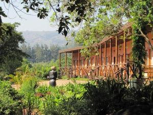 (Mvubu Falls Lodge)