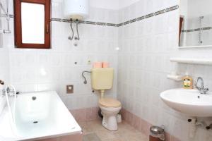 Apartments Sanader, Апартаменты  Трогир - big - 12