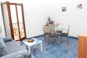 Apartments Sanader, Апартаменты  Трогир - big - 15