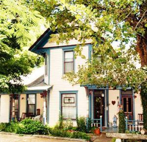 11 Singleton House B&B - Accommodation - Eureka Springs