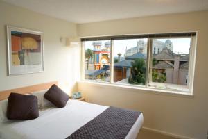 Easystay Studio Apartments - St Kilda, Victoria, Australia