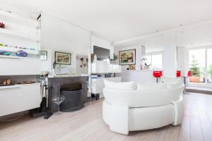 Апартаменты «onefinestay - Auteuil - Roland-Garros private homes», Париж