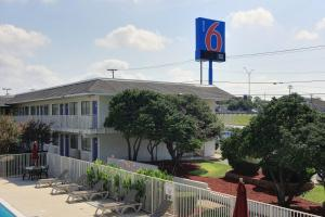 Motel 6 Austin North