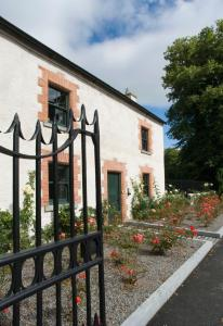 (Castletown Gate House)