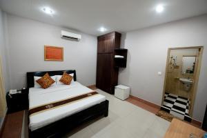 Circuit Hotel & Café - NaNa Hotel