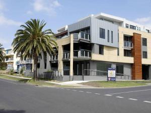 Cscape Beachfront Apartments
