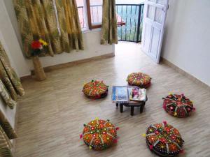 Aamantran Stays Shimla