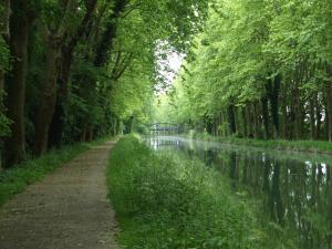 Gîte Au Jardin, Case vacanze  Meilhan-sur-Garonne - big - 3