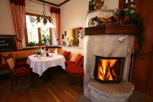Gasthof zum Sonnenwald, Guest houses  Schöfweg - big - 66