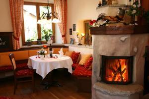 Gasthof zum Sonnenwald, Guest houses  Schöfweg - big - 28