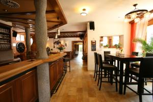 Gasthof zum Sonnenwald, Guest houses  Schöfweg - big - 35