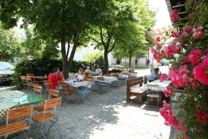 Gasthof zum Sonnenwald, Guest houses  Schöfweg - big - 39
