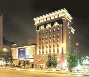 首爾普瑞瑪酒店 (Hotel Prima Seoul)