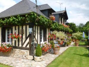 La Ferme Du Pressoir Guest House