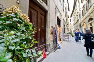 Heart of Florence, Апартаменты  Флоренция - big - 5