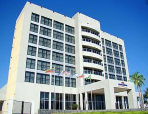 Hotel cerca : Howard Johnson Ramallo