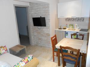 Apartment Zora, Apartmány  Opatija - big - 17